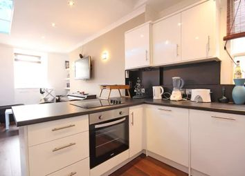 Thumbnail 1 bed flat to rent in Little Cottage Place, London