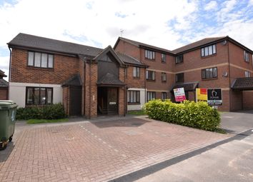 Thumbnail 1 bed flat to rent in Hamble Road, Didcot
