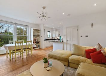 Thumbnail 3 bedroom flat for sale in Compayne Gardens, South Hampstead, London