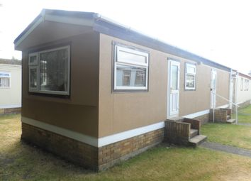 Thumbnail 2 bed mobile/park home for sale in Meadowview, St Osyth Road, Little Clacton