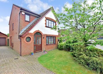 Thumbnail 3 bed detached house for sale in Pipit Meadow, Uckfield, East Sussex