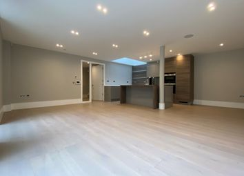 Hodford Place, Hodford Road, Golders Green NW11. 3 bed flat