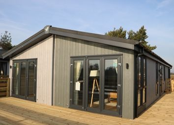 Thumbnail 2 bed mobile/park home for sale in Barholm Road, Tallington, Stamford, Lincolnshire