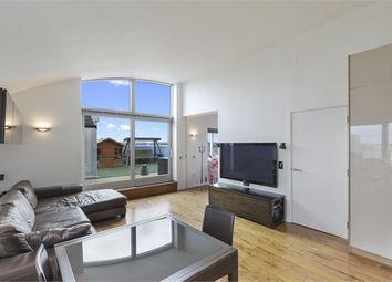 3 bed flat to rent in Metcalfe Court, John Harrison Way, London SE10