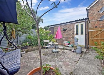 Spinney North, Pulborough, West Sussex RH20. 1 bed flat