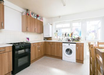 Thumbnail 4 bed town house to rent in Union Drive, Mile End, London