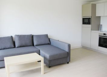 Thumbnail 1 bed flat to rent in 11 Canalside Square, London