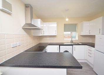2 bed flat to rent in Dudley Close, Chafford Hundred RM16