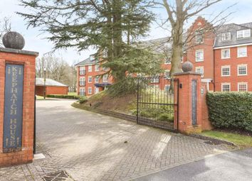 Thumbnail 2 bed flat to rent in Montague Close, Wokingham