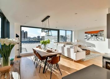 Thumbnail 2 bedroom flat for sale in Pages Walk, London