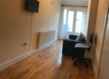 1 bed flat to rent in Valley Drive, Kingsbury /Wembey NW9