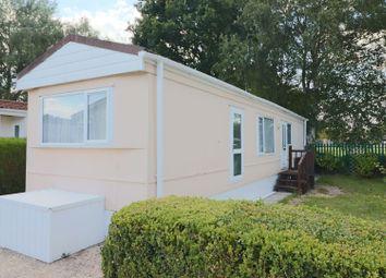 2 bed mobile/park home for sale in Martins Park, Sandy Lane, Farnborough GU14