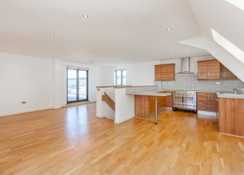 Thumbnail 4 bedroom flat to rent in Fieldgate Street, Liverpool Street