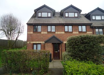 2 bed maisonette to rent in Maypole Road, Taplow SL6