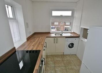 2 bed flat to rent in The Parade, Mulfords Hill, Tadley RG26