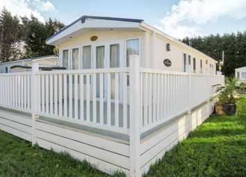 Thumbnail 2 bed mobile/park home for sale in Sutton Road, Sutton St. James, Spalding