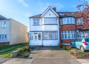 Thumbnail 3 bed property for sale in Springfield Avenue, London