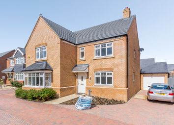 Thumbnail 5 bed detached house for sale in Goldfinch Place, Lower Stondon