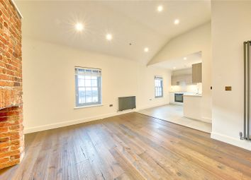 2 bed maisonette to rent in High Street, Hampton Wick, Kingston Upon Thames KT1