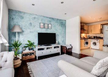 South Stoke Road, Woodcote, Reading RG8. 2 bed flat for sale