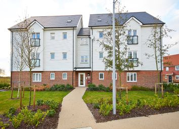 Thumbnail 2 bed flat for sale in Kilnwood Close, Faygate, Horsham