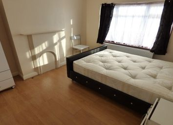Thumbnail Property to rent in Midhurst Avenue, Croydon