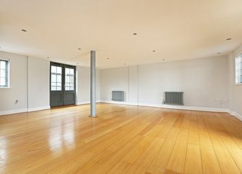 Thumbnail 3 bedroom flat to rent in Tempus Wharf, Bermondsey Wall West, London