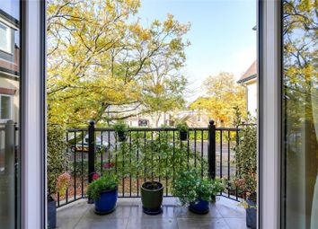 Thumbnail 2 bedroom flat for sale in Rouse Close, Weybridge, Surrey