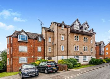 Thumbnail 2 bed flat for sale in Rembrandt Way, Reading