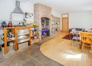 Thumbnail 2 bedroom flat to rent in Dunraven Road, Ground Floor Flat, Shepherds Bush, London