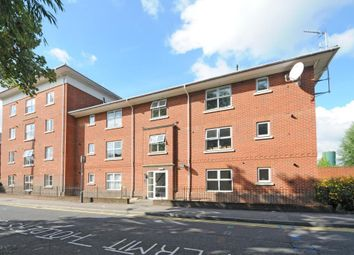 Thumbnail 2 bedroom flat to rent in Newbury, Berkshire