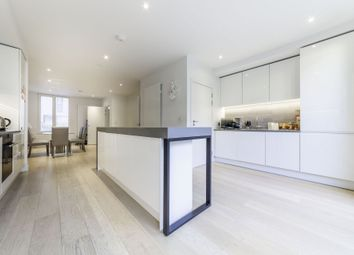 3 bed terraced house to rent in Starboard Way, Maritime Building, Royal Wharf, London E16