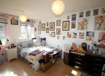 Thumbnail Studio to rent in Sudeley Gardens, Hockley