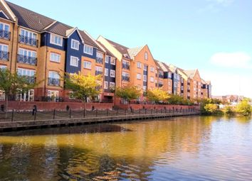 Thumbnail 3 bed flat to rent in Longman Court, Stationers Place, Hemel Hempstead