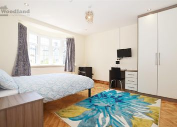 Thumbnail Room to rent in Syon Park Gardens, Isleworth