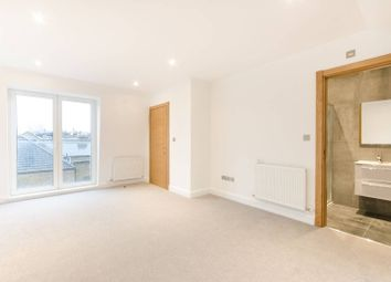 Thumbnail 2 bed flat to rent in Northcote Road, Between The Commons