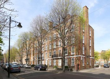 Thumbnail 2 bed flat to rent in Brady Street, London