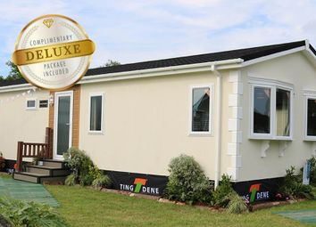 Thumbnail 2 bed mobile/park home for sale in Dogdyke, Hawthorn Hill, Coningsby Lincolshire