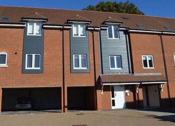 Thumbnail 2 bed flat to rent in Malthouse Way, Horndean