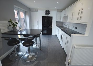 3 bed property to rent in Newstead Avenue, Wakefield WF1