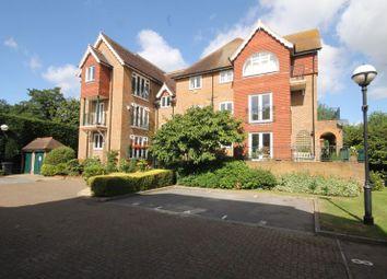 Wallis Mews, Guildford Road, Fetcham, Leatherhead KT22. 2 bed flat