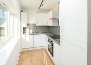 Thumbnail 3 bed flat to rent in Crescent Row, Clarkenwell