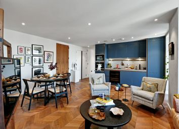 Hexagon Apartments, Parker Street, London WC2B. 1 bed flat