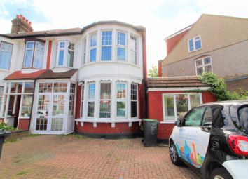 Thumbnail Studio to rent in Riverway, Palmers Green