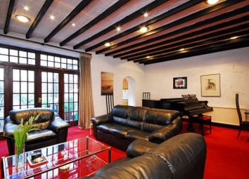 Thumbnail 3 bedroom flat to rent in Queens Gate Gardens, South Kensington