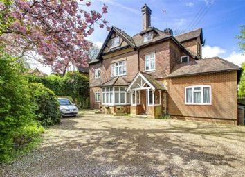 Thumbnail 1 bed flat to rent in Rockfield Mount, Oxted, Surrey