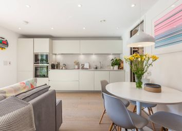 Thumbnail 1 bed flat for sale in New North Road, Shoreditch, London