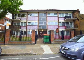 Bull Road, London E15. 2 bed flat