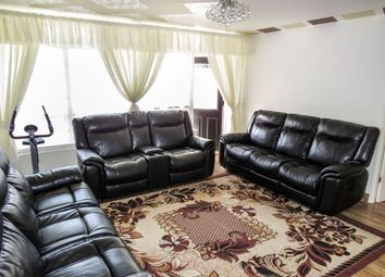 Thumbnail 2 bed flat for sale in New Michael Street, Hull