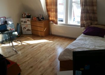 Thumbnail Room to rent in Heath Road, Twickenham